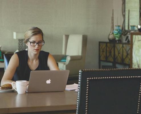 Cómo compatibilizar la prestación por desempleo y trabajar como autónomo